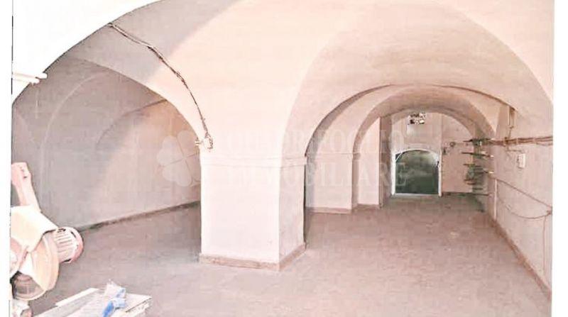 Offerta vendita locale C/2 Monterotondo - occasione locale C/2 in vendita Via Giacomo Leopardi