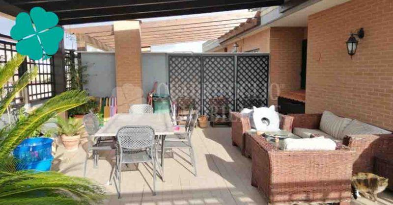 Offerta vendita appartamento piano attico Roma zona Torre Angela Via dei Coribanti