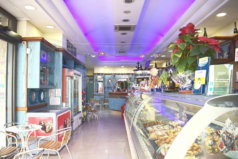 Offerta vendita bar Ostia Centro - occasione attività bar in vendita Via Orazio dello Sbirro