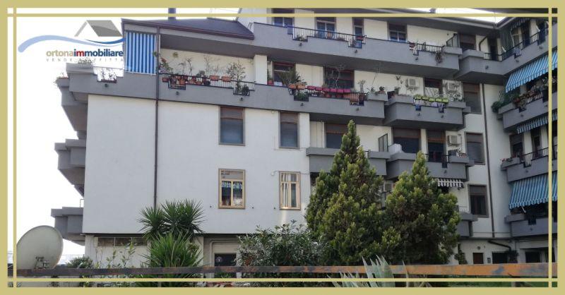 ORTONAIMMOBILIARE – Предложение на продажу в элегантном здании на цокольном этаже в Ортоне