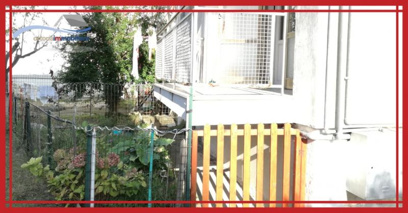 ORTONAIMMOBILIARE - Продается квартира на первом этаже с погребом в Ортоне у стадиона