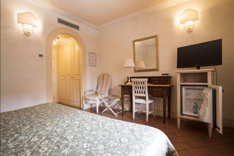 Hotel Il poeta offerta Camera doppia uso singolo Provincia di Pisa - Booking Pontedera