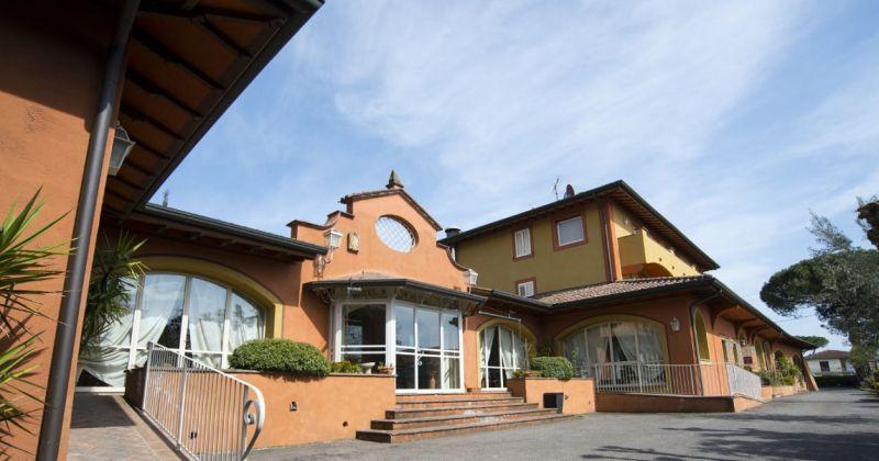Hotel il Poeta Offerta 50 Camere parcheggio e wi-fi gratuito Pisa-offerta hotel in toscana 25 a