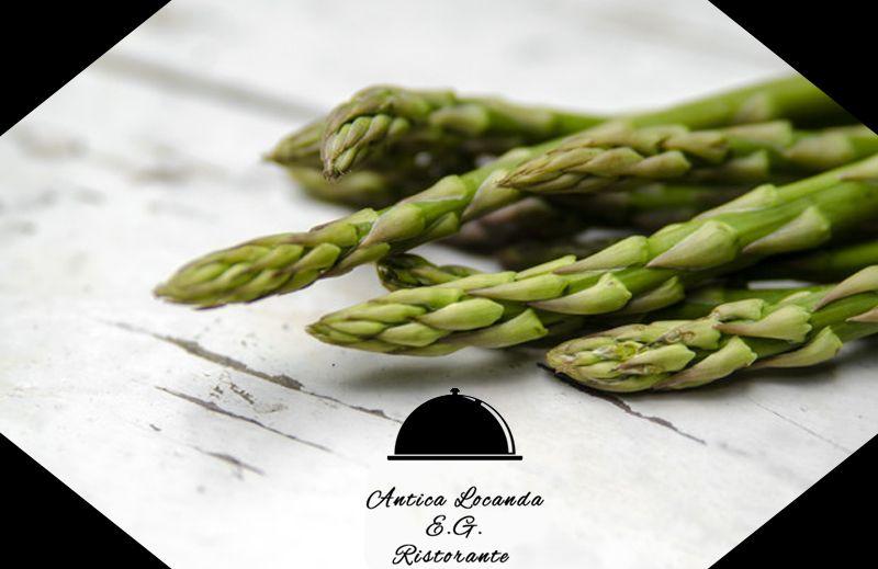 Offerta ristorante specialità di asparagi a Santena - Promozione pietanze con asparagi a Torino