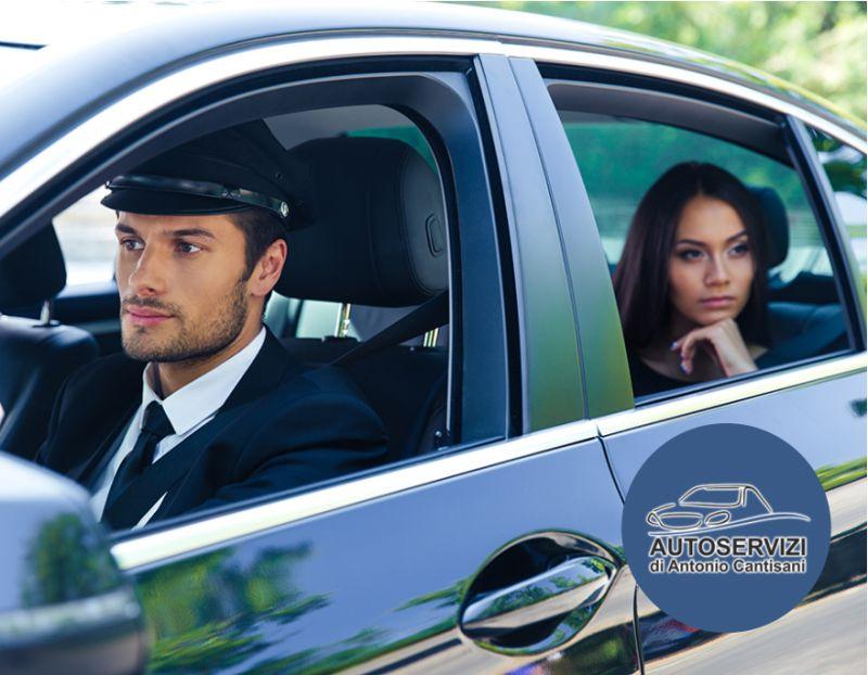 offerta servizio autonoleggio con conducente-promozione taxi privato per privati e aziende