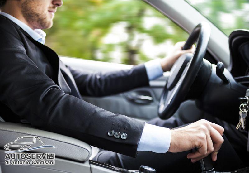 AUTOSERVIZI DI ANTONIO CANTISANI offerta servizio noleggio auto autista - promo ncc pago carta