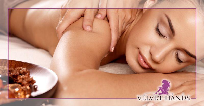 PROMOZIONE massaggio Nuru con doccia emozionale BARI – OFFERTA massaggio nuru con percorso benessere BARI