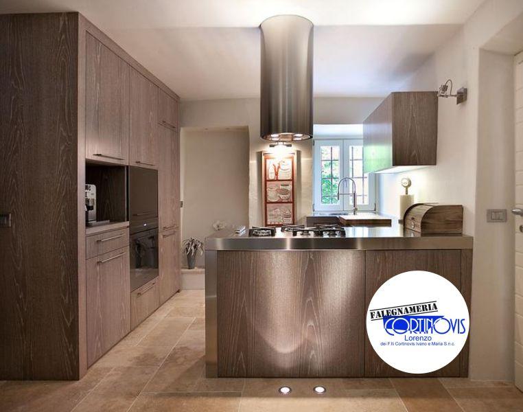 offerta cucine moderne con penisola su misura-promozione realizzazione cucine personalizzate