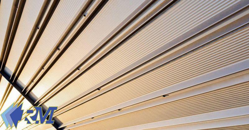 offerta serrande avvolgibili elettriche Roma - occasione basculanti in legno e zincati Roma
