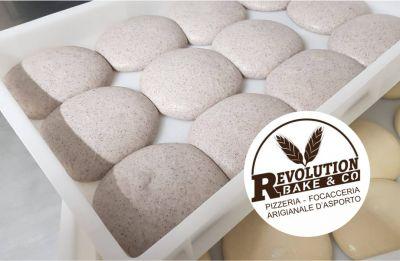 revolution bake e co offerta impasto pizza riso venere promozione pizza leggera