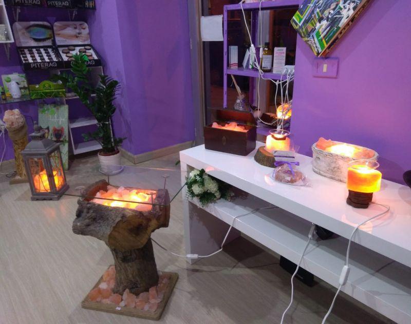 Offerta lampade e tavolini luminosi in sale rosa himalayano. Promozioni in corso