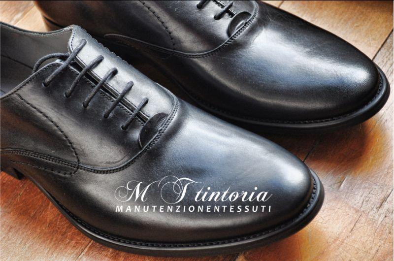 MT TINTORIA lavaggio scarpe pelle liscia - promozione sanificazione scarpe pellame  lucido