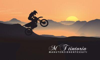 mt tintoria offerta lavaggio professionale tuta da moto promo lavaggio accessori motociclista