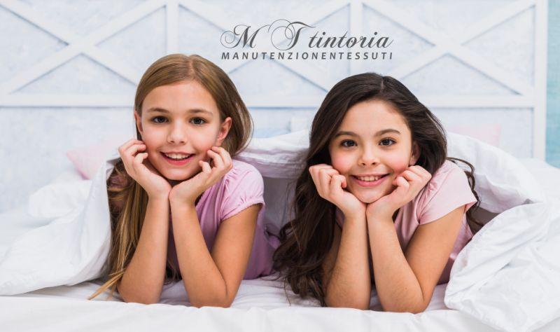 MT TINTORIA offerta lavaggio piumoni piuma d oca - promozione sanificazione coperte di lana