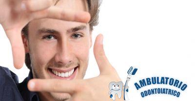 occasione sbiancamento dentale professionale offerta rimozione tartaro macchie denti roma