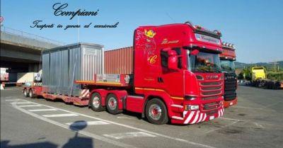 offerta compiani trasporti con carrelli stacker occasione autocarri per trasporti a piacenza
