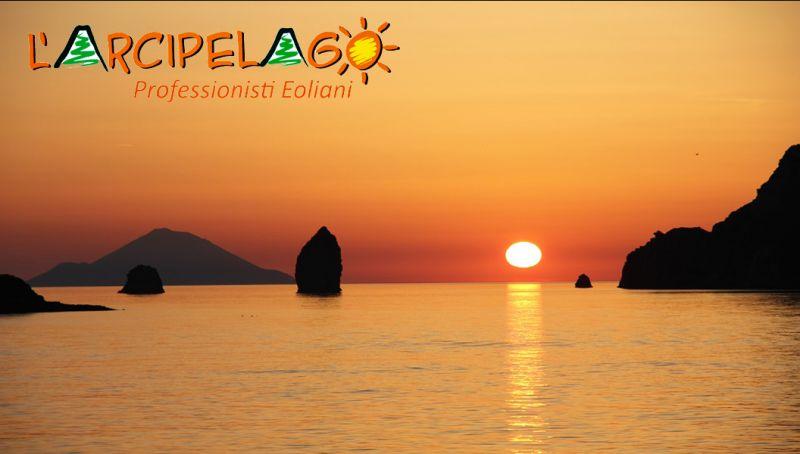 Promozione viaggi isole eolie reggio calabria - offerta agenzia servizi mini crociere milazzo