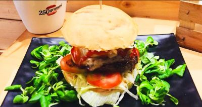 250 grammi hamburgheria offerta nuovo menu occasione hamburger catania