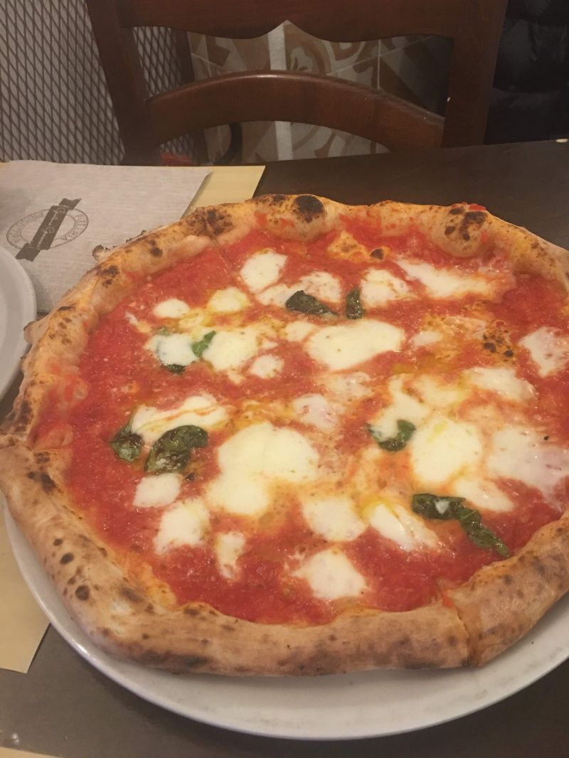 La Trattoria Pizzeria Luna Rossa - offerta traditional pizza margherita