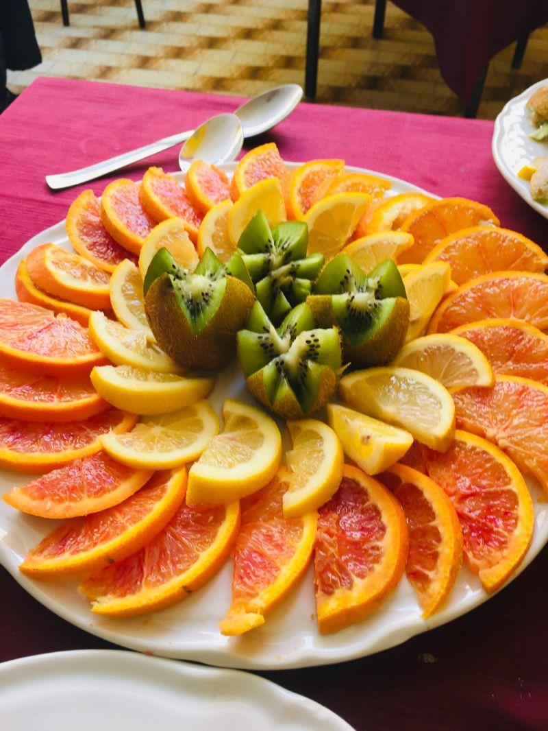 Trattoria Pizzeria Luna Rossa - offerta Frutta fresca di alta qualità