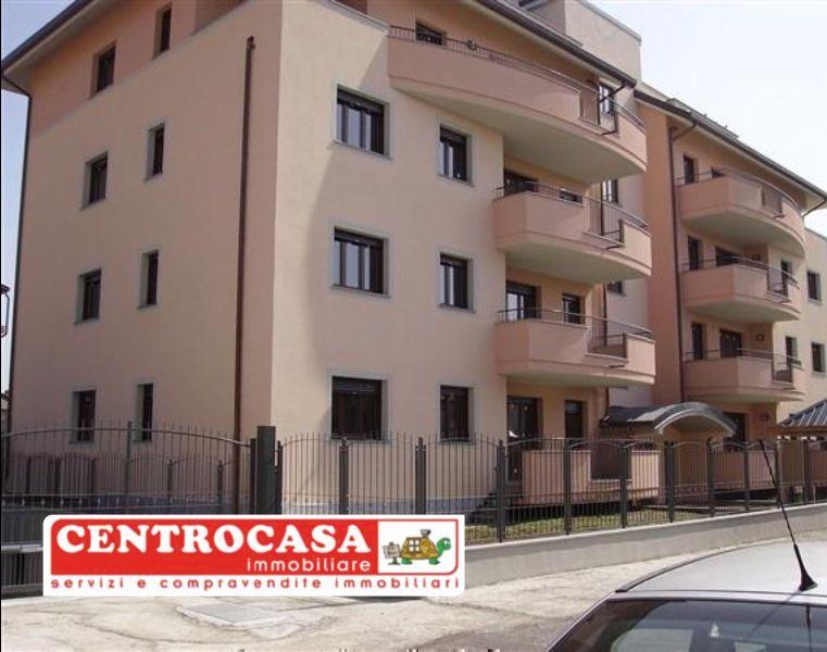 CENTROCASA immobiliare 4 locale con terrazza - quadrilocale finiture di pregio magenta