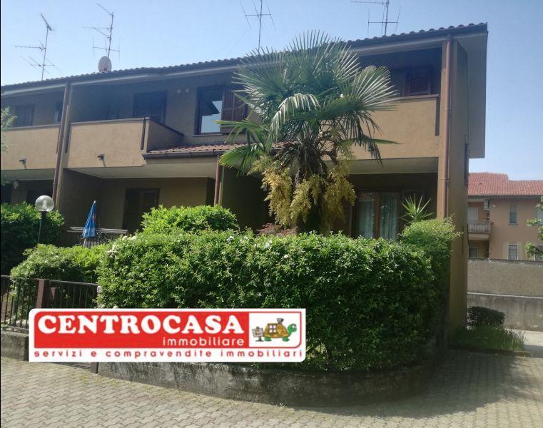 CENTROCASA immobiliare villa di testa- villa indipendente comprare casa a magenta zona nord
