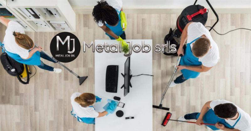 Metal Job offerta personale per servizio pulizia Roma - occasione riassetto camere hotel ostia