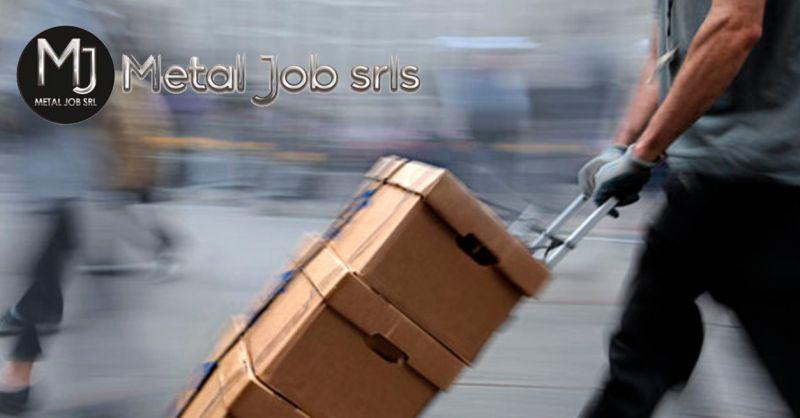 Metal Job offerta facchinaggio e movimentazione merci aprilia