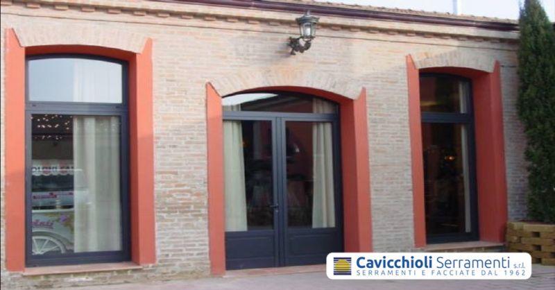 offerta produzione infissi e serramenti - occasione realizzazione porte per interno ed esterno