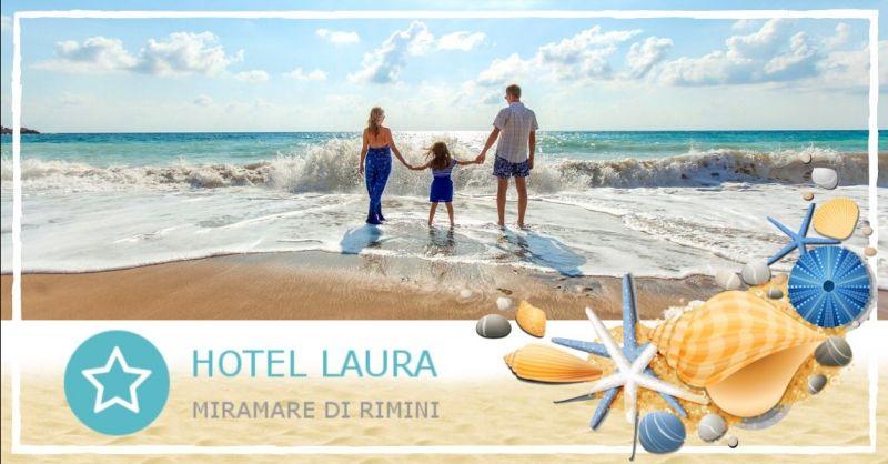 HOTEL LAURA - Offerta vacanze hotel pernottamento mezza pensione fronte mare Rimini Miramare