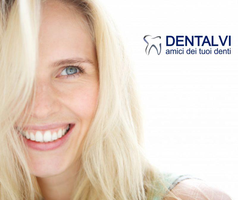 STUDIO DENTISTICO DENTALVI offerta sbiancamento dentale con air flow -promo igiene orale sconto