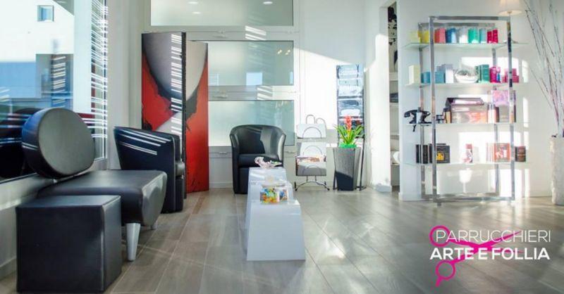 Parrucchieri Arte e Follia occasione salone di bellezza - offerta trattamenti per capelli