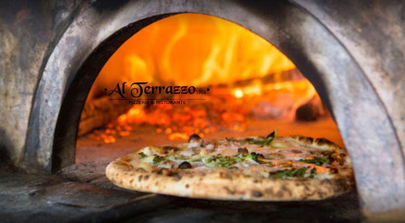 Al Terrazzo offerta consegne domicilio - occasione asporto cucina tipica pizzeria Colli Aminei