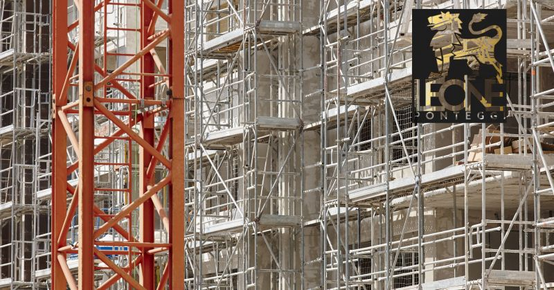 offerta noleggio ascensore da cantiere napoli - occasione noleggio ponteggi Napoli