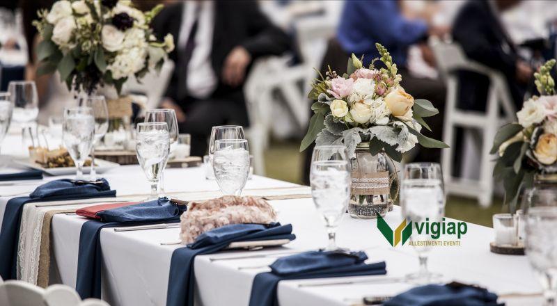 Vigiap offerta noleggio tavoli e sedie per eventi - occasione attrezzatura catering Napoli