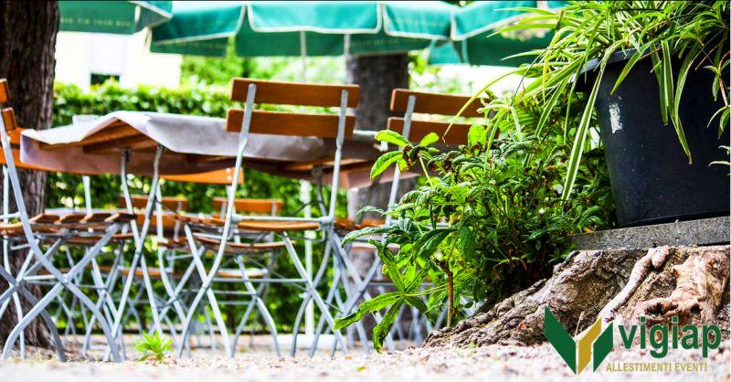 VIGIAP ALLESTIMENTI EVENTI - offerta noleggio tavoli e ombrelloni somma vesuviana