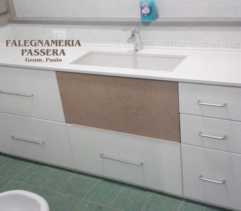 FALEGNAMERIA PASSERA offerta arredo bagno su misura  - promozione mobili da bagno a misura