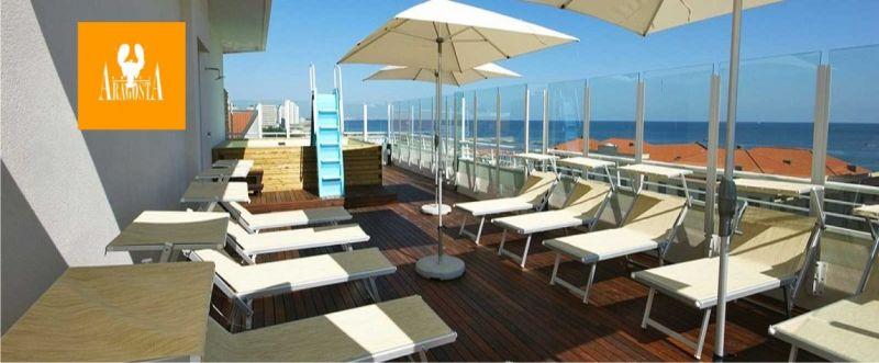 Offerta hotel con piscina panoramica Cattolica - occasione hotel 3 stelle con piscina Rimini