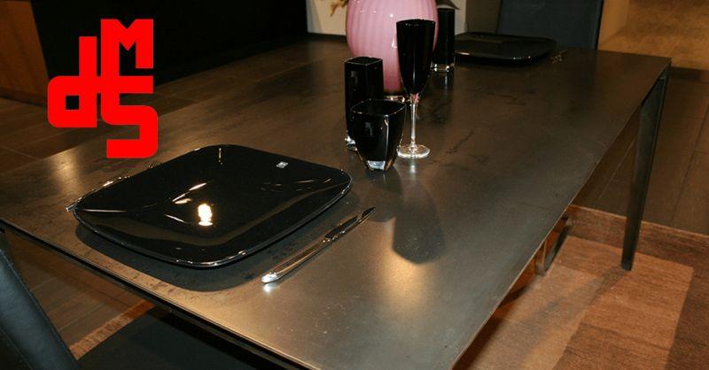 Offerta vendita tavolo in ferro di design - Occasione tavolo metallo design moderno