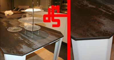offerta tavoli in pietra su misura occasione realizzazione tavoli artigianali su misura