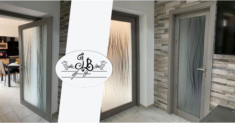 FALEGNAMERIA BARRA - offerta porta legno massello frassino grigio movimento rototraslante