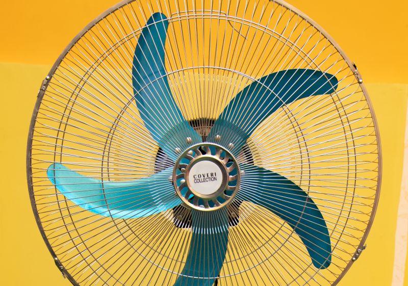 Offerta Ventilatore Coveri taranto - promozione ventilatore piantana in acciaio taranto
