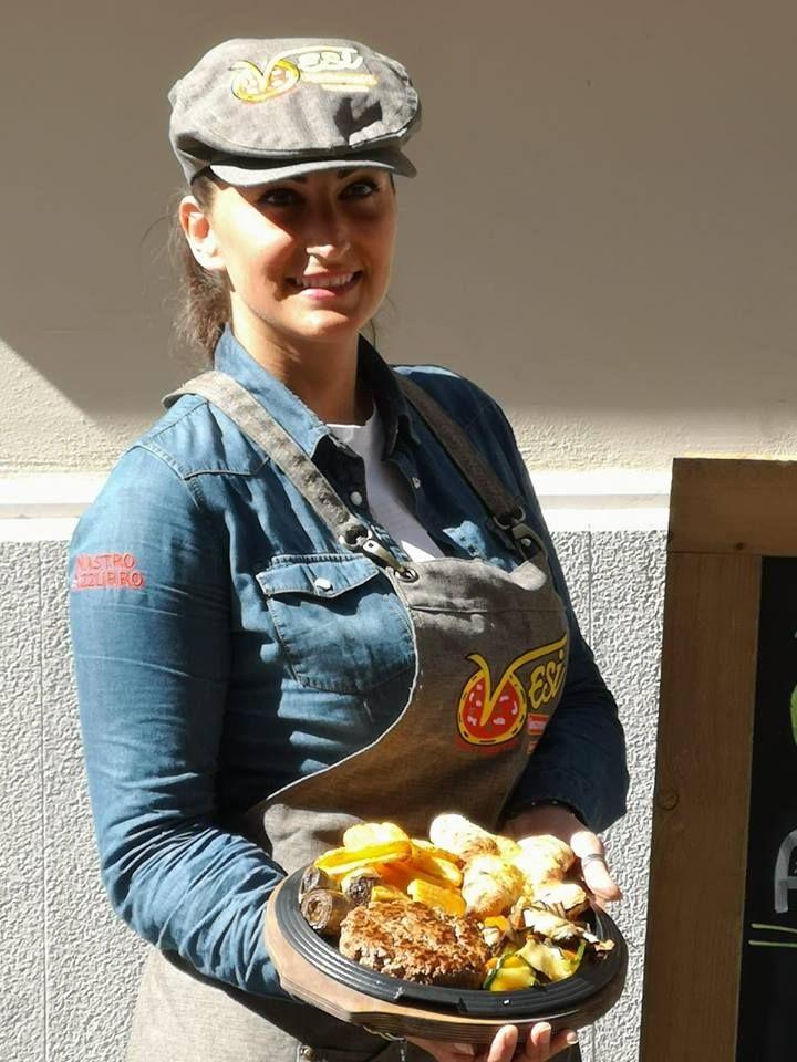 Hamburgeria Caserta,  Vesi Spaccanapoli,  Pizzeria Caserta, Universiadi 2019
