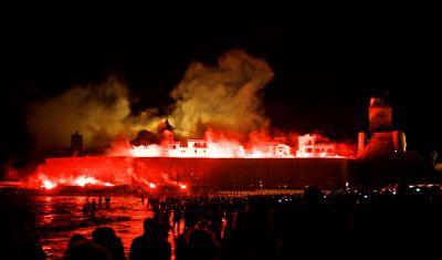 promozione casa fare a ferragosto lincendio del castello a termoli