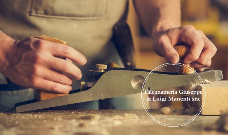FALEGNAMERIA MANENTI offerta serramenti in legno su misura - promozione serramenti pregiati in legno