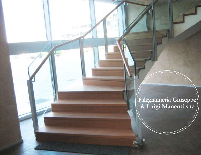 FALEGNAMERIA MANENTI offerta scala di legno - promozione scale per interni su misura