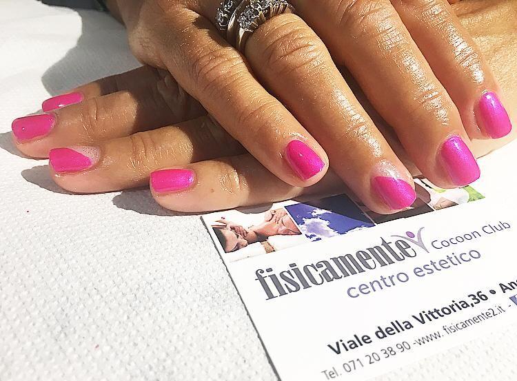 FISICAMENTE DUE offerta manicure Ancona Passetto