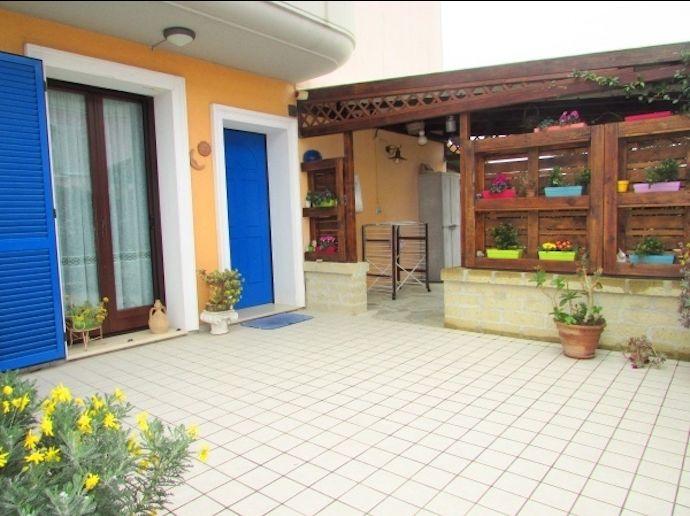 occasione villetta a schiera con giardino e garage  in vendita a Porto Recanati
