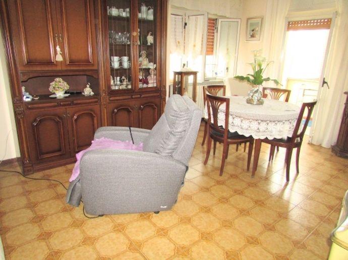 occasione appartamento con giardino e posto auto in semicentro a Porto Recanati