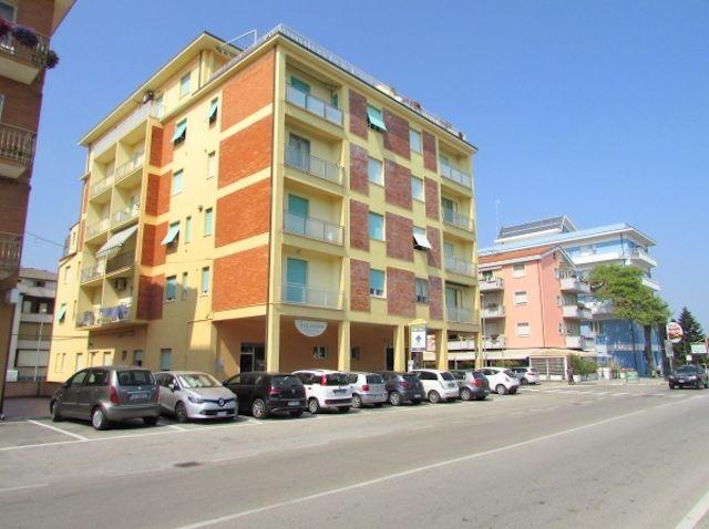 occasione appartamento vista mare due camere in centro a  porto recanati